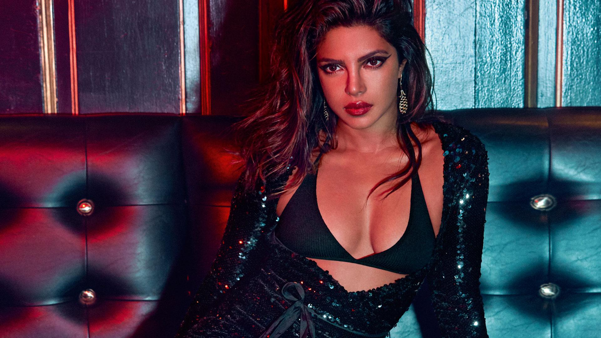 Priyanka-Chopra-sexiest-Asia-woman