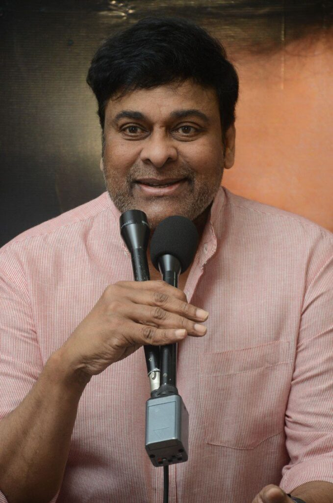 Megastar Chiranjeevi New Look in Clean Shave Goes Viral