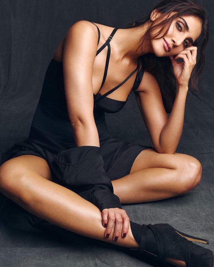 actress vaani kapoor on maxim cover photoshoot 2018 southcolors 2