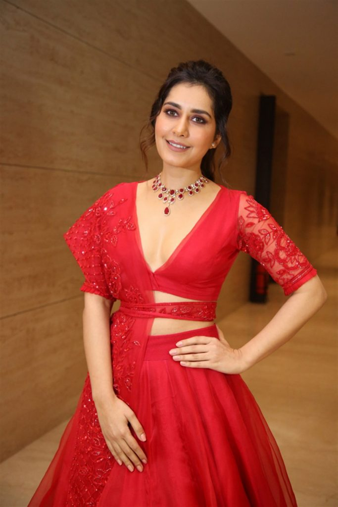 Raashi Khanna Hot Cleavage Photos at World Famous Lover Pre Release Event 21